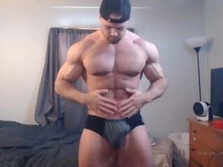 Watch Bodybuilder with Musclecockon largeporntube.asia