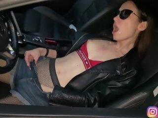 Watch A quick blowjob for a passer-by through a car window & Cum in my mouthon largeporntube.asia